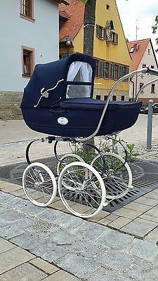 Girls Room Design, Vintage Pram, Baby Checklist, Baby Prams, Baby Carriage, Stylish Baby, Retro, Baby Gear, Baby Things