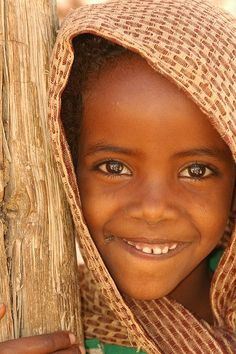 Child of the Harar/Harari, a small Islamic ethnic population that lives on the Horn of Africa, Ethiopia specifically. Of their 45,000 population, the majority have emigrated to European countries and cities in the United States. Photo by JEFF.ARNOLD via flickr