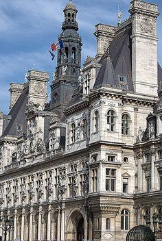 The Hotel de Ville Paris