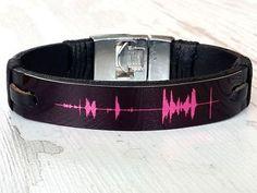 Idée et inspiration Bijoux :   Image   Description   Personalized LeatherChristmas giftMens Leather Bracelet