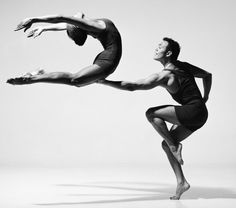 Modern dance photography by Lois Greenfield #balance