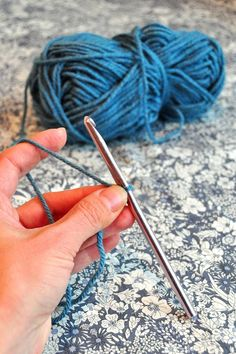 How to Crochet - tutorials for each step and different stitches