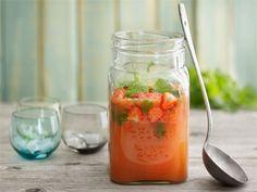 Kohti kesää -booli Healthy Drinks, Salsa, Stuffed Peppers, Vegetables, Fruit, Ethnic Recipes, Food, Stuffed Pepper, Essen