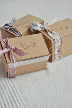 Detalles caseros para regalar en una Primera Comunion. by LittleMuna en CharHadas    http://charhadas.com/special_items/31659-detalles-para-la-primera-comunion