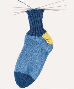 Как вязать носки от мыска - схема вязания спицами. Вяжем Техника вязания на Verena.ru Fashion, Moda, Fashion Styles, Fashion Illustrations