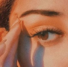 38 ideas for vintage makeup photos eyes Brown Eyes Aesthetic, Peach Aesthetic, Classy Aesthetic, Aesthetic Collage, Aesthetic Makeup, Aesthetic Vintage, Aesthetic Photo, Aesthetic Girl, Aesthetic Pictures