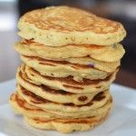 Apple & blueberry pancakes - healthy, no sugar, and still scrumptious, perfect for baby led weaning Baby Food Recipes, Snack Recipes, Cooking Recipes, Snacks, Kid Recipes, Baby Led Weaning, Toddler Meals, Kids Meals, Toddler Food