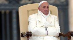 """""""...  yo entiendo perfectamente que estemos ante un nuevo y desesperado intento de restauracionismo preconciliar. [...] el papa Francisco como un hombre amenazado. Tan amenazado como la unidad de la Iglesia. Y, por tanto, el futuro de esta Iglesia a la que queremos de verdad. Una Iglesia en la que no pretendemos ser más papistas que el papa. Y en la que siempre, y en cualquier caso, aceptamos al sucesor de Pedro, coincida o no coincida con nuestros puntos de vista...""""."""