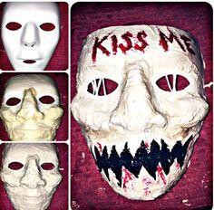 DIY purge kiss me mask Badass Halloween Costumes, Halloween Inspo, Scary Halloween Costumes, Couple Halloween, Halloween Outfits, Halloween Diy, Halloween Kleidung, Maquillage Halloween, Halloween Disfraces