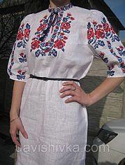 """Сукня жіноча з білого 100% льону """"Олеся"""" з вишивкою квітами """"Троянди"""" червоними і синіми нитками  UA-PL-014"""