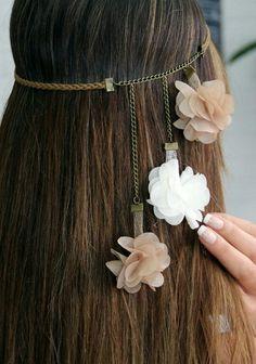 Çiçekli saç aksesuarı