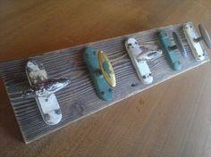 Appendiabiti in legno di larice recuperato e 5 maniglie anni