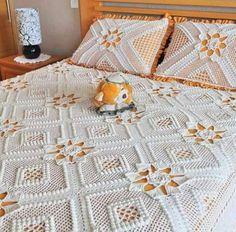 By Mariza Crochet Designer: Colchas Crochet Thread Crochet, Hand Crochet, Crochet Blanket Tutorial, Orange Quilt, Diy Crochet Patterns, Crochet Bedspread, Gift Bows, Afghan Blanket, Mandala Art