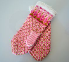 Ravelry: Vilan pattern by Anna Hakkarainen Knit Mittens, Knitting Socks, Mitten Gloves, Fair Isle Pattern, Needle And Thread, Diy Fashion, Christmas Stockings, Tatting, Knit Crochet