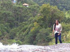 Mariana, de Caraguatatuba ... veste Motorface Custom Design  -  na Cachoeira em Goncalves/MG