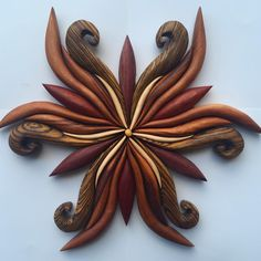 New Piece 'Wizard Whisker Flower' Really getting into making these smaller gems. I thought they would take much less time, but the more… Simple Snowflake, Snowflake Craft, Wooden Wall Decor, Wood Wall Art, Intarsia Wood, Wooden Flowers, Scroll Saw Patterns, Wood Turning, Flower Patterns