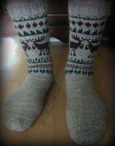 Lankapirtti: Taas hirvet törmäilevät Knitting Socks, Knit Socks, Cool Socks, Awesome Socks, Mittens, Knit Crochet, Projects To Try, Womens Fashion, Inspiration