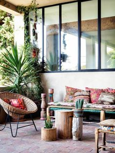 Interior design ideas for the balcony and terrace DIY tree root tables