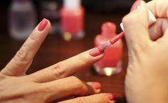 Você mesma faz suas unhas? Veja 10 dicas para sua manicure ficar igualzinha à do salão. :) #Nails #Unhas #Manicure #DIY