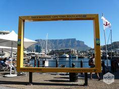 Je moet wel even geluk hebben, maar als de wolkendeken (het 'tafelkleed'  dat vooral in de middagen de Tafelberg bedekt) weg is kan je 360 graden kijken. Photo: Table Mountain, Cape Town (Kaapstad), South Afrika (Zuid-Afrika)