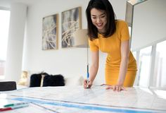 Luisa Zhou built a $100K+ coaching business within four months while working her full-time job, reaching $1 million-dollars seven months later. Here's how she did it.