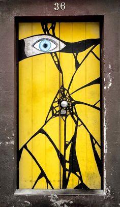 Puerta muy original de Madera . Fabulous @ Muebles NOMAD JALISCO