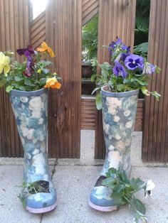 Make a great use of old wellies,  and add some colour to an old thing, to make it new!