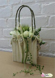 .Fabulous wedding handbag for a bride.