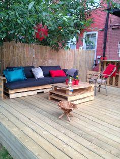 Terrasse exterieure en palettes / Outdoor deck with pallets