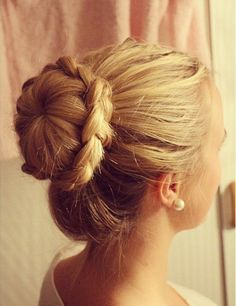 7 gorgeous hairstyles for long straight hair. More on: www.batobato.com