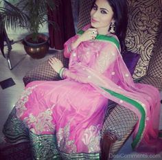 mouni roy's indian traditional wear - Google Search Mauni Roy, Dps For Girls, Jacqueline Fernandez, Tv Actors, Saree Dress, Bollywood Stars, India Fashion, Best Actress, Celebrity Couples