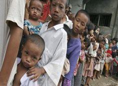Colombia a 2012 tiene entre 4,9 millones y 5,5 millones de personas en condición de desplazamiento interno por conflicto armado, violencia y abuso de derechos humanos.