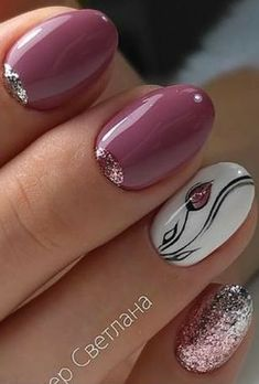 "If you're unfamiliar with nail trends and you hear the words ""coffin nails,"" what comes to mind? It's not nails with coffins drawn on them. Although, that would be a cute look for Halloween. It's long nails with a square tip, and the look has. Fancy Nails, Cute Nails, Pretty Nails, Nail Art Diy, Diy Nails, Nagellack Design, Stylish Nails, Flower Nails, Creative Nails"