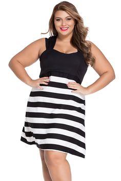 Robes De Taille En Noir Et Blanc Bloc Stripe Big Girl Patineuses Robe Pas Cher www.modebuy.com @Modebuy #Modebuy #CommeMontre #me #sexy #Blanc