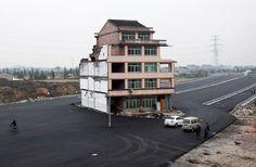 highway-built-around-house05