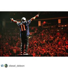 #Repost @diesel_deleon with @repostapp. ・・・ No place like home #Boston #tdgarden #Dannywood #nkotb #themainevent #Patriots #lookatme #rollingTiger @dannywoodofficial