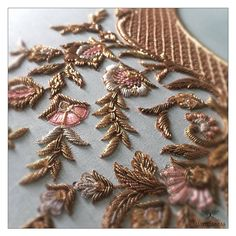 No photo description available. Zardosi Embroidery, Embroidery Flowers Pattern, Couture Embroidery, Embroidery Fashion, Beaded Embroidery, Flower Patterns, Hand Embroidery, Embroidery Designs, Beautiful Dress Designs