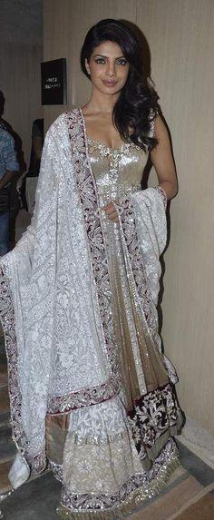 Priyanka Chopra looking beautiful
