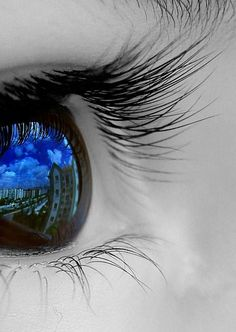 "And one of my favorite quotes, goes really well with this image: ""beauty is in the eye of the beholder"""