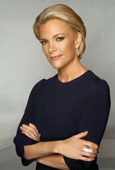 Megyn Kelly. What an inspiring and confident woman. Beautiful hair do and fun fake eyelashes :)