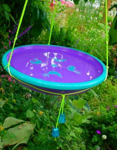 DIY Birdbath projects and Ideas. Tutorials for DIY birdbaths for your backyard..