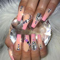 "Gefällt 419 Mal, 10 Kommentare - ✨LUXURY NAIL LOUNGE✨ (@glamour_chic_beauty) auf Instagram: ""✨ Miss Malibu ✨  #glamourchicbeauty #glamourchic #gcnails #goldcoastnails #ombrenails #longnails…"""