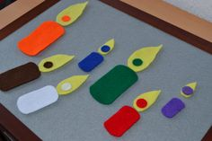 Candles Felt Game: Color Matching and Size Sorting (free printable inside).