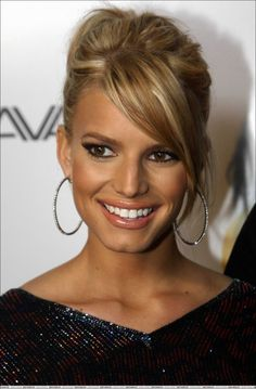 Jessica Simpson like this blonde for me!