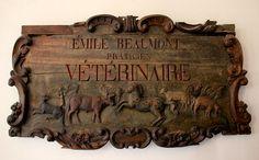 vintage-veterinarian-sign-andrew-fare.jpg 900×557 pixels