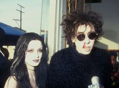 rot-riot: Tim Burton and former fiancé Lisa Marie. I Love Cinema, Pretty People, Beautiful People, Punk Goth, 80s Goth, Lisa Marie, My Vibe, Poses, Post Punk