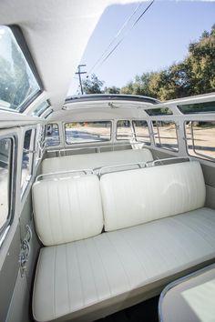 Vintage Volkswagen Bus, Volkswagen Bus Interior, Volkswagen Type 2, Volkswagen Transporter, Vw T1, Volkswagen Golf, Kombi Motorhome, Vw Camper, Campervan