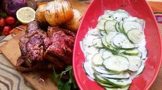 Bifes de chorizo rellenos con papas acordeón y ensalada fresca Fresco, Chorizo, Relleno, Carne, Steak, Food, Chefs, Salads, Argentina