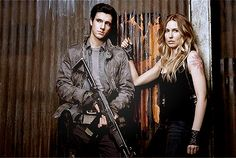 Drew Roy and Sarah Carter as Hal and Maggie - Falling Skies