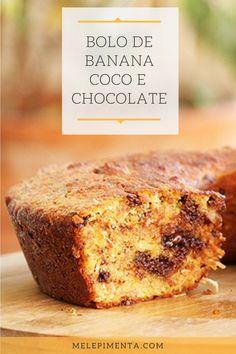 Bolo de banana, coco e pedaços de chocolate    Banana, coco e pedaços de chocolate, o resultado desse bolo só poderia ser maravilhoso. Ele é molhadinho e muito fácil de fazer. Confira a receita!